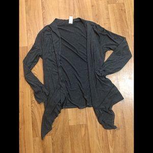 Sweaters - Grey cardigan